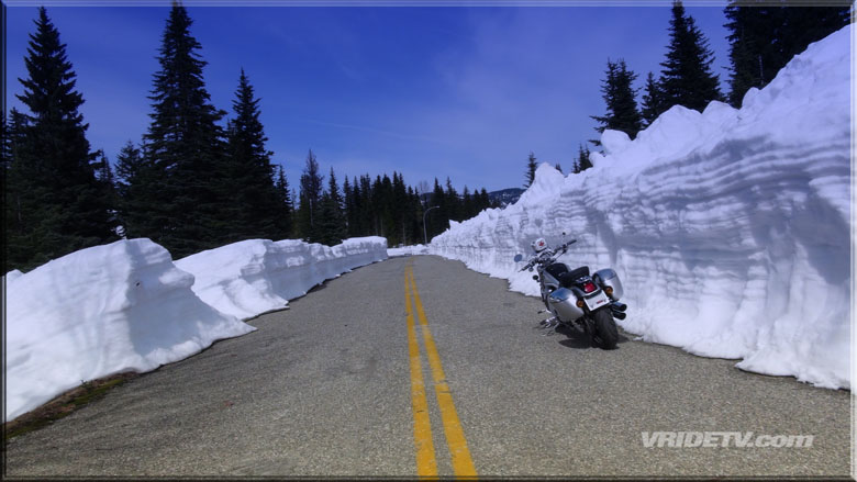 motorcycle blue sky and snow. VRIDETVcom